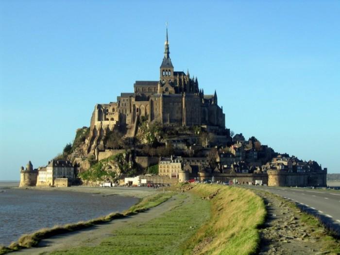 Mont_Saint-Michel_en_gros_plan1-1024x768