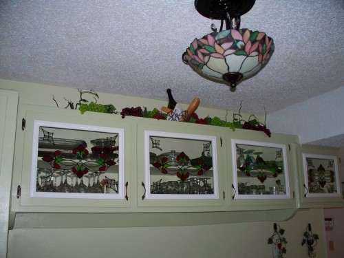 Kitchen cabinet glass and fixture