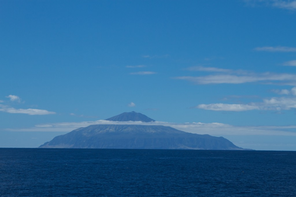 By Brian Gratwicke from DC, USA - Tristan da Cunha - a perfect volcanic cone
